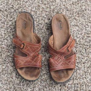 Clarks Bendable Sandals Sz 9